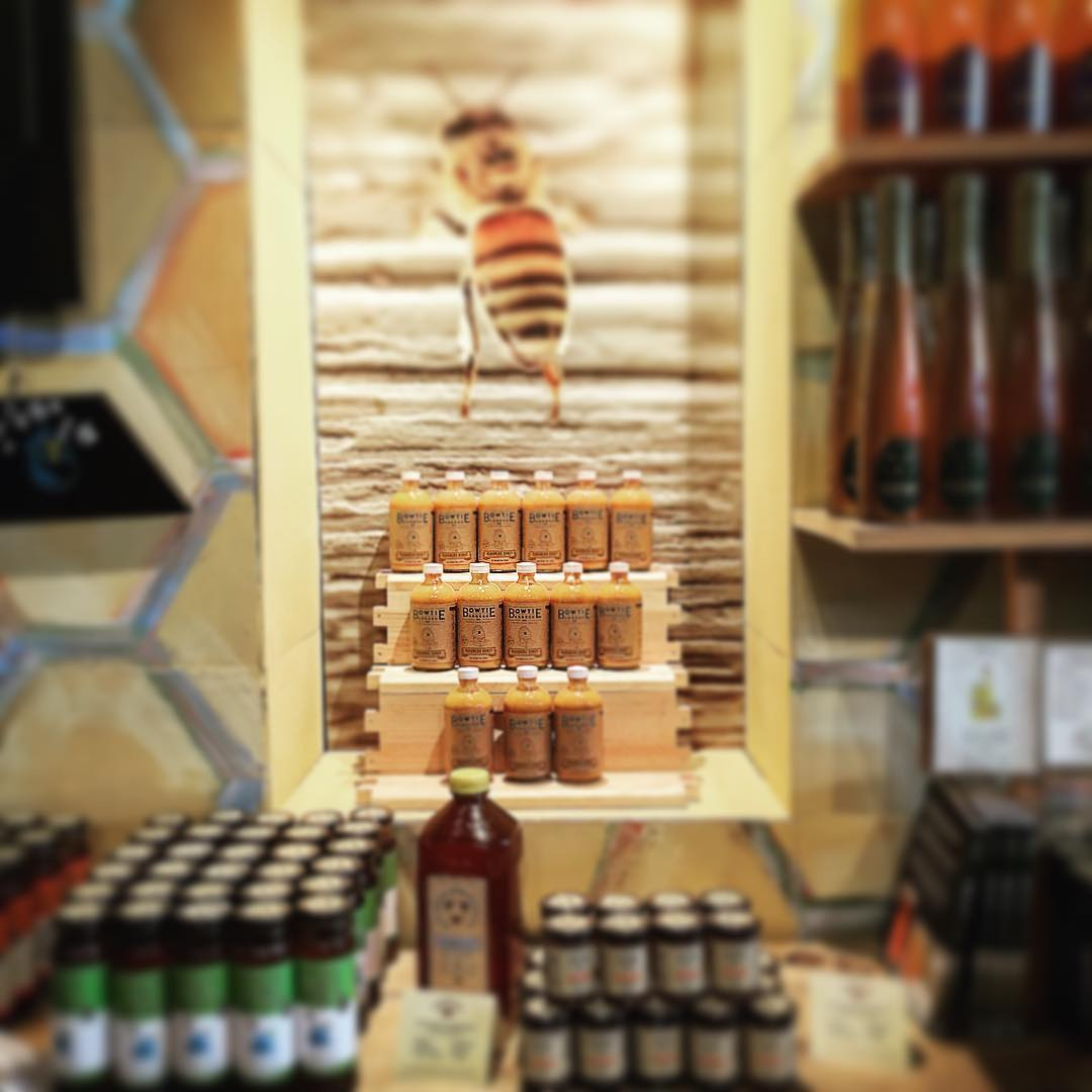 Stopped by Savannah Bee Co. on Broughton Street today. Nice little showing! Go pick some up!! @savannahbeeco #savannahbeeco #savannahbeecompany #honey #mustard #bbq #bbqsauce #barbecue #barbecuesauce #bowtiesarecool #bowtiebarbecueco
