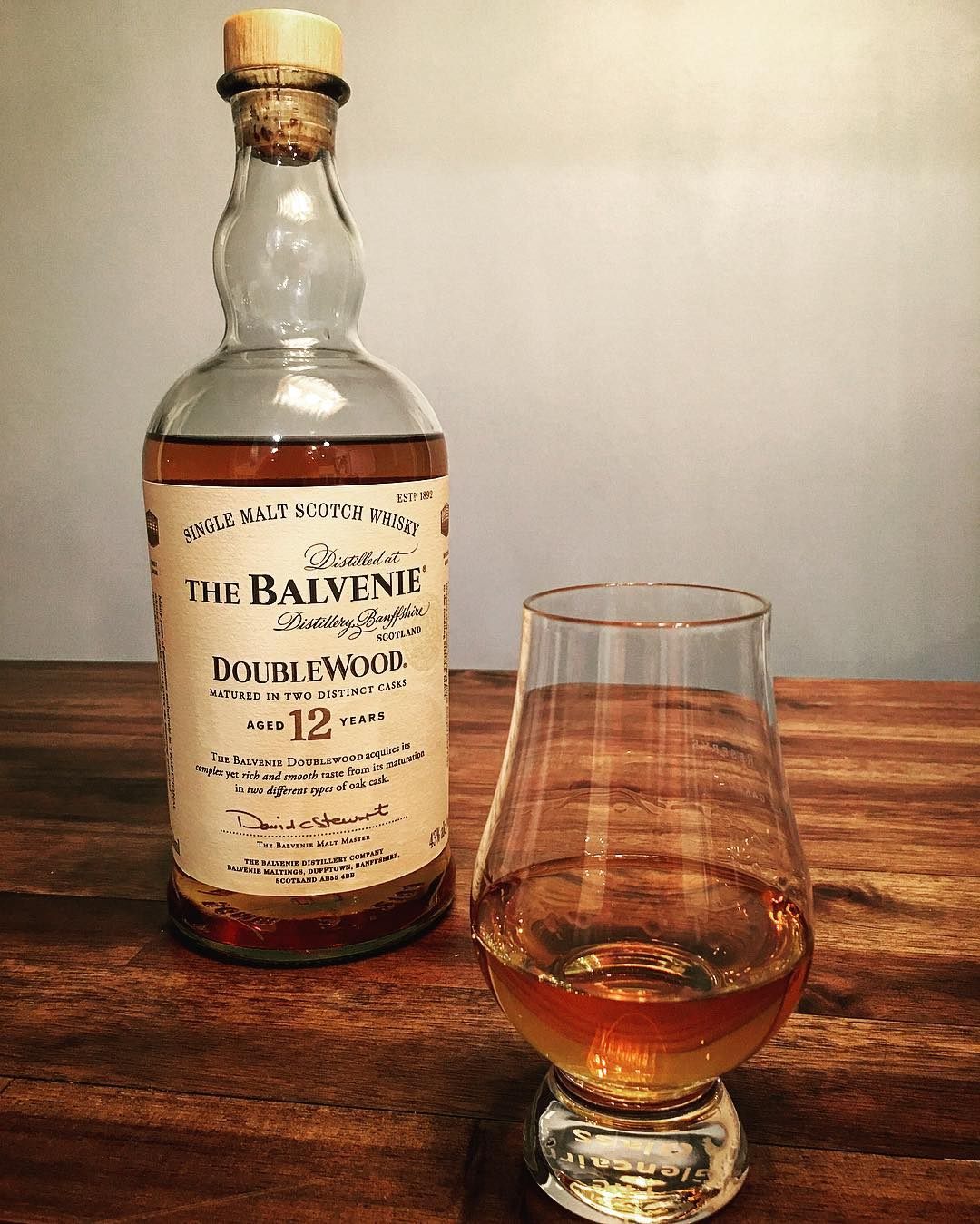 #worldwhiskyday has come and gone. At the encouragement from @scotch_trooper (unbeknownst to him), I went out and got #balvenie Double Wood. Aged 12 years first in #bourbon barrels and then #sherry barrels, this was a wonderful, easy drinking #scotch. A true treat to enjoy on World Whiskey Day! Thanks to @hopsandbarleysav for sharing a dram! #dram #whiskey #bowtiebarbecueco #scotch #balvenie12 #doublewood #bourbonbarrel #sherrybarrel #whiskeybar #inthegarage #visitsavannah #whattodoinsavannah #singlemaltscotch #sınglemaltwhiskey #distillerybanffshire @balvenieus