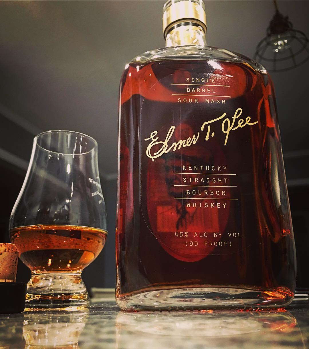 Elmer T. Lee in the house! This bourbon is one of the many fantastic offerings from the Buffalo Trace Distillery. While Elmer T. Lee, one of the past master distillers, sadly has passed on, they still select this single barrel release once a year. The 2016 choice won a gold this year. w00t!  Syrupy oranges, some Christmas spice, and bready notes on the nose. The taste brings some darker flavored that I really wasn't expecting, but lead into one of the most beautiful finishes I've tasted recently! A little drop of water also unlocks some new flavors. Way to go team!  @buffalotracedistillery @buffalotrace